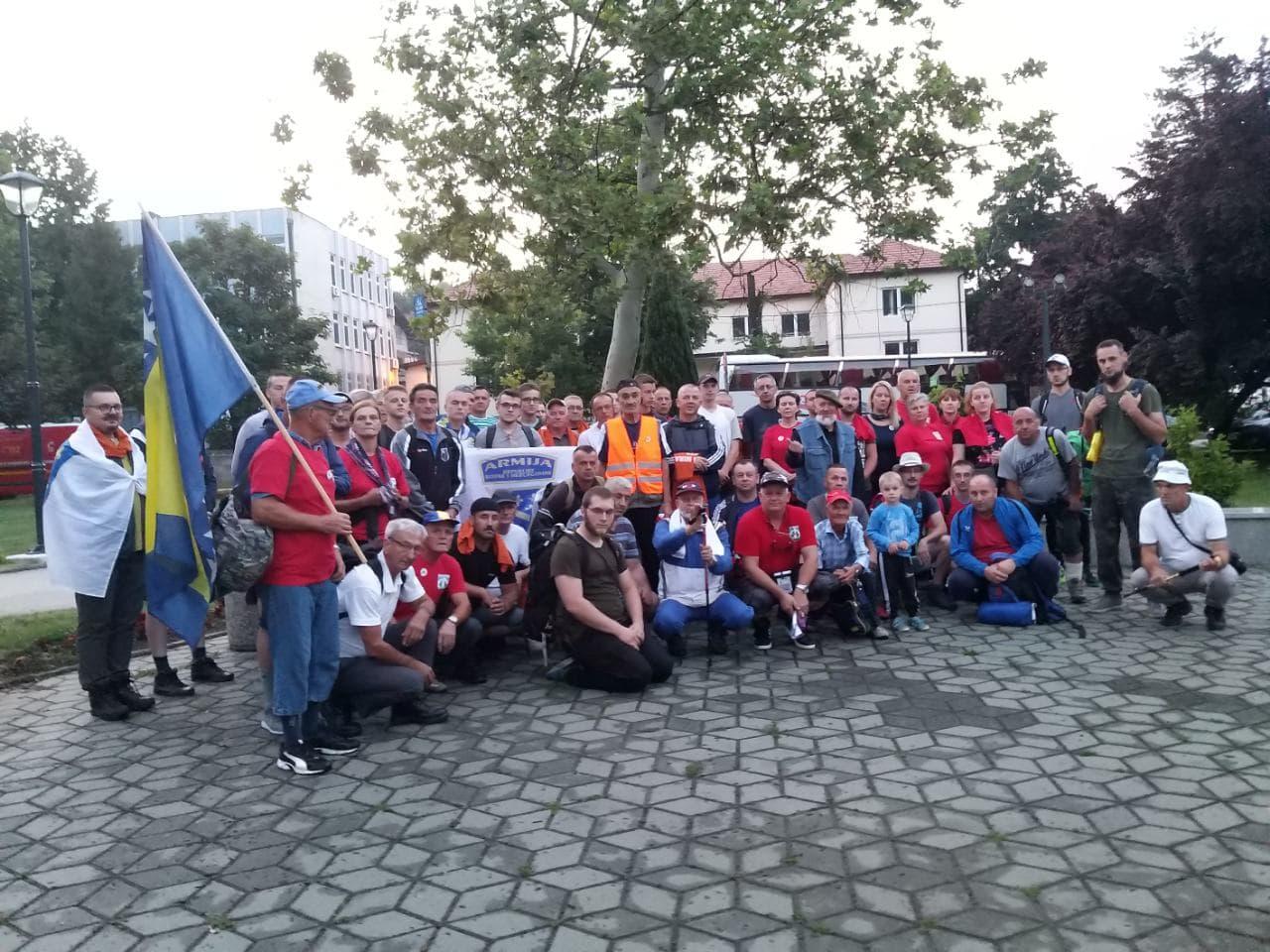 """Ispraćeni učesnici """"Marša mira"""" iz Gračanice"""