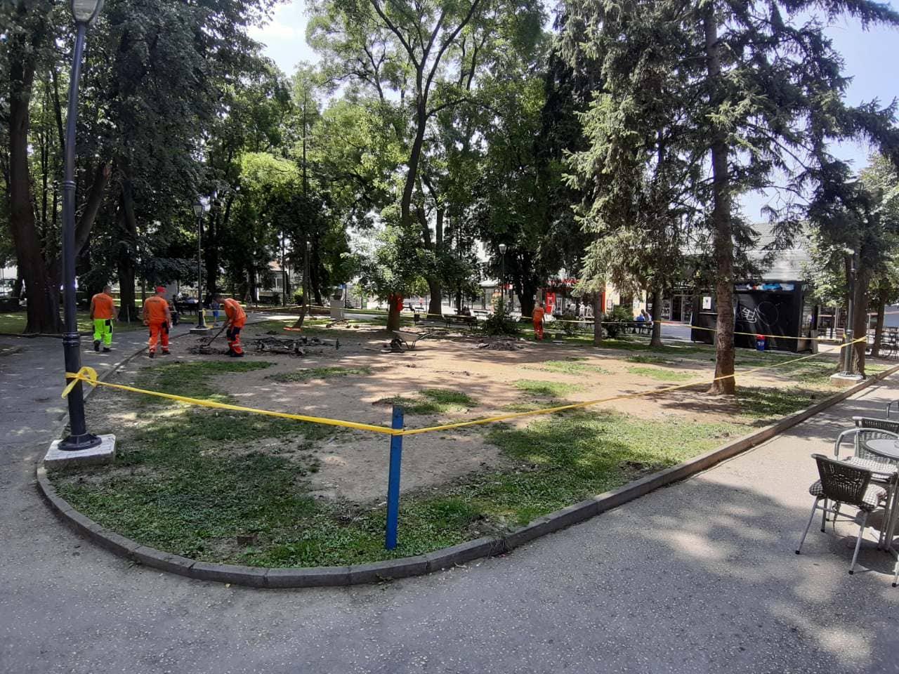Počela rekonstrukcija dječijeg igrališta u gradskom parku